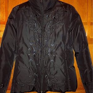Guess Embroidered Puffer Jacket NWOT Size M